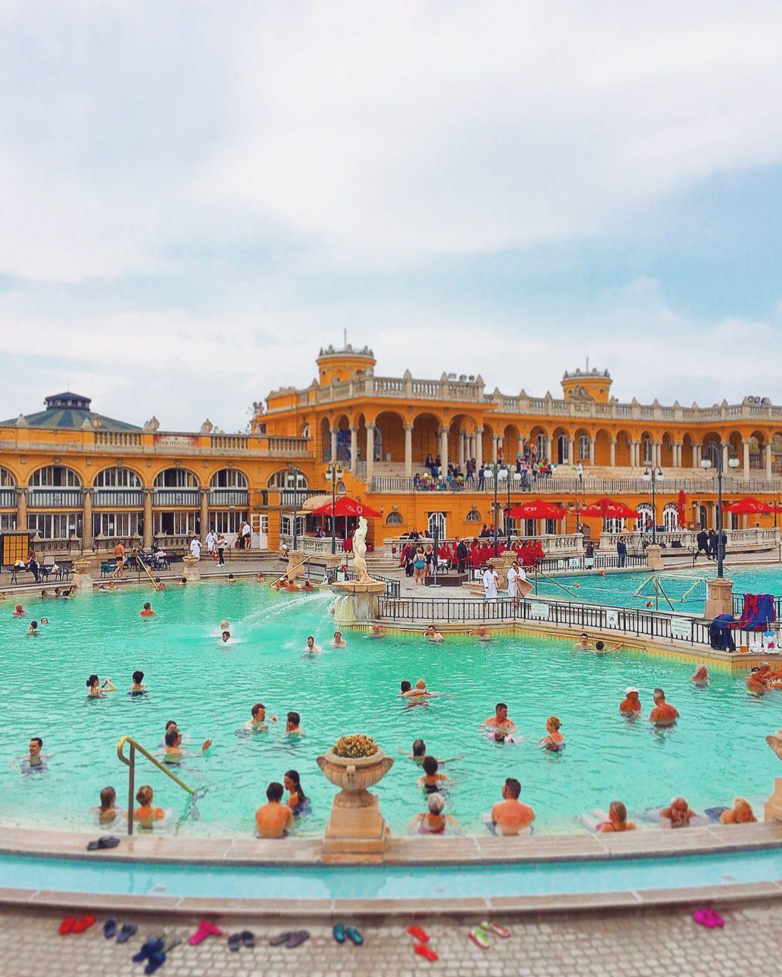 BUDAPEST – Thermal spa / Szechenyi thermal bath